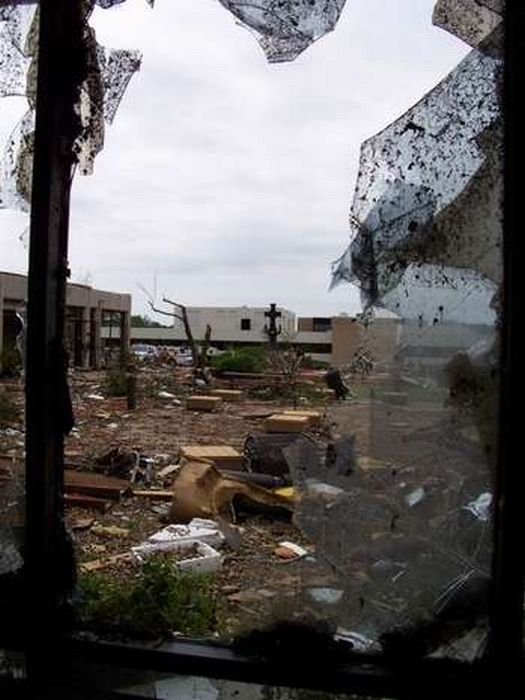 Inside St. John's Hospital in Joplin (27 pics)