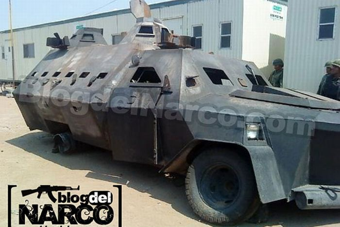 The Mexican Drug Cartel's Hand-​​Made Tanks (8 pics)