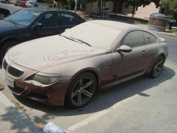 Abandoned BMW M6 (8 pics)