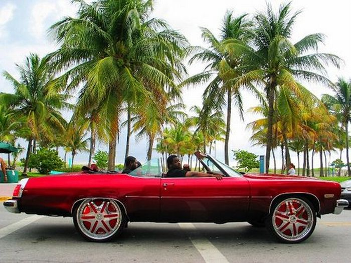 American Cars with Big Rims (56 pics)