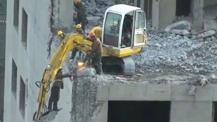 Chinese Construction Workers (14 pics)