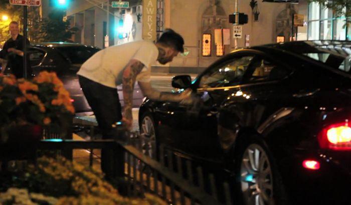 Aston Martin Graffiti (3 pics + video)