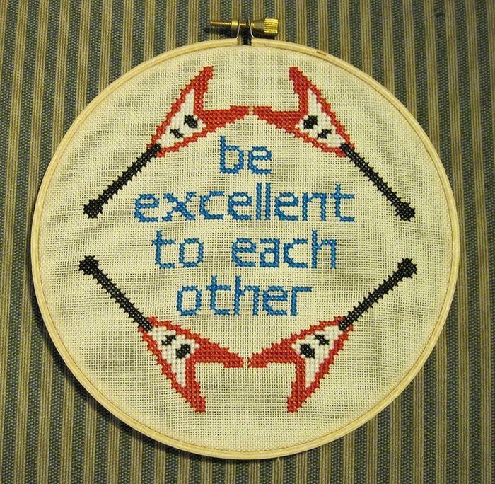 Cross Stitch for Nerds (13 pics)
