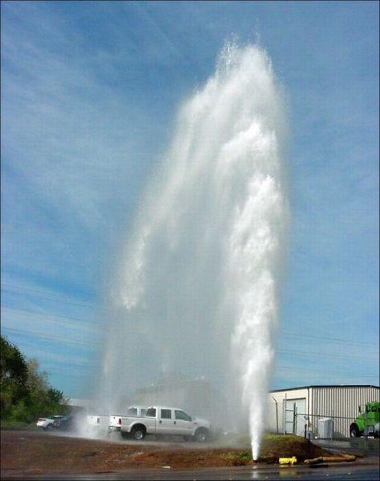 Broken Hydrants (27 pics)