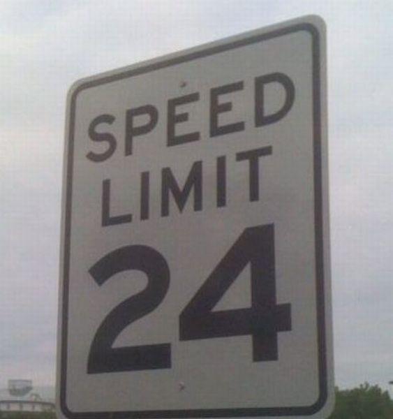 WTF Signs (33 pics)