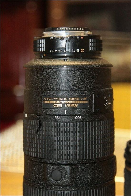 Angry Woman Destroys Camera Lenses Worth $7,000 (15 pics)