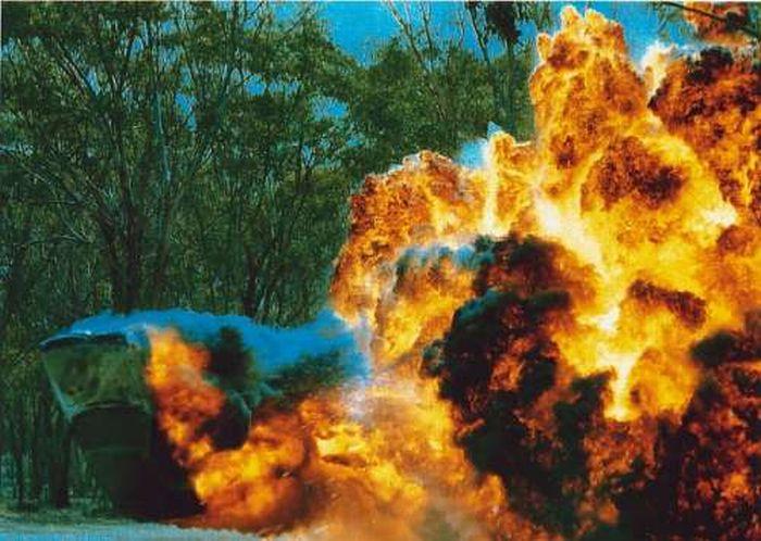 Car Explosions (20 pics)