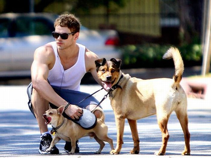 The Best Celebrity Dog Fathers (35 pics)