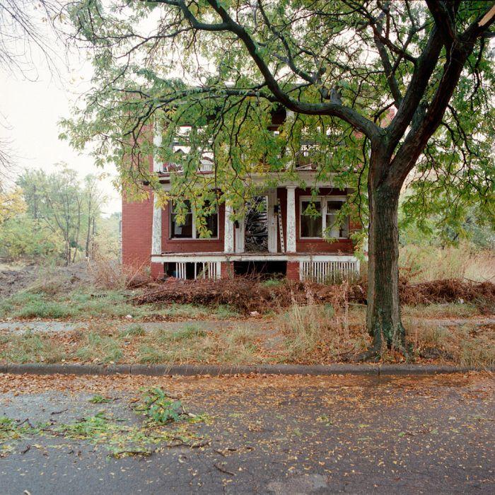Abandoned Houses (103 pics)