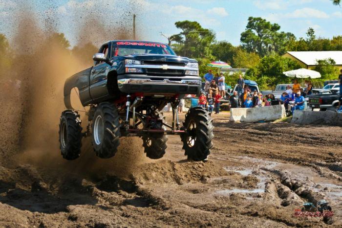 Jumping Cars (20 pics)