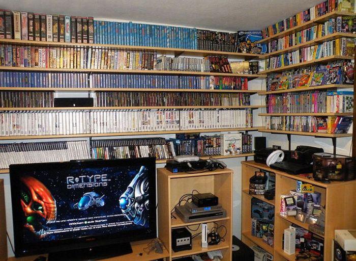 Room of a Computer Games Fan (2 pics)