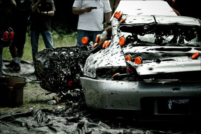 How to Destroy Porsche 911 (16 pics)