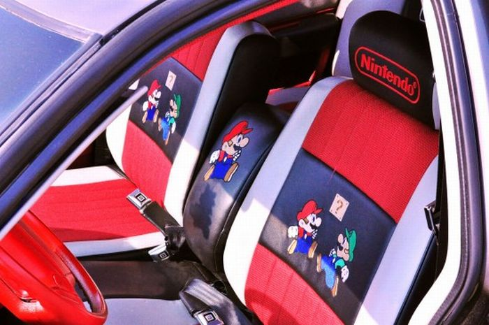Super Mario Fan Creates Geeky Nintendo-mobile (9 pics)