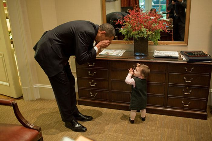 Obama with Babies (50 pics)