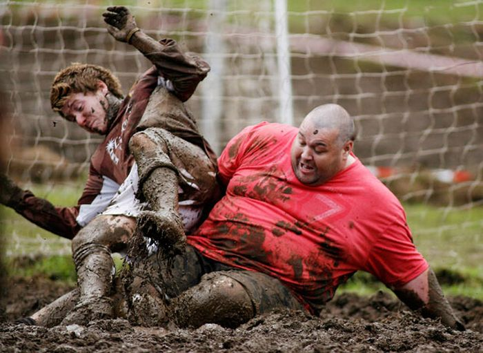 The Swamp Soccer World Cup 2011 in Edinburgh (30 pics)