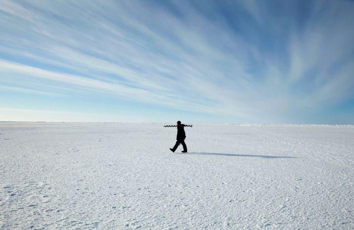 Arctic Ice Station (22 pics)