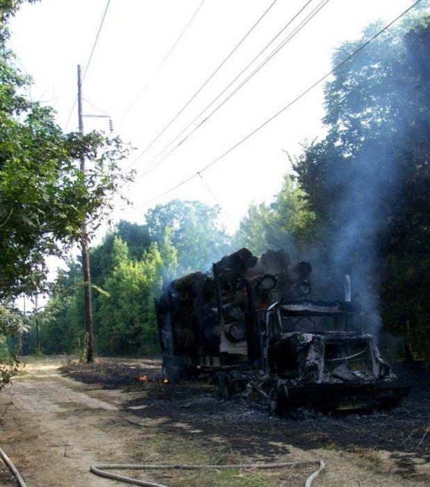 Truck on Fire (6 pics)