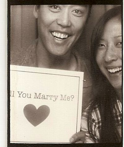Photo Booth Marriage Proposal (4 pics)