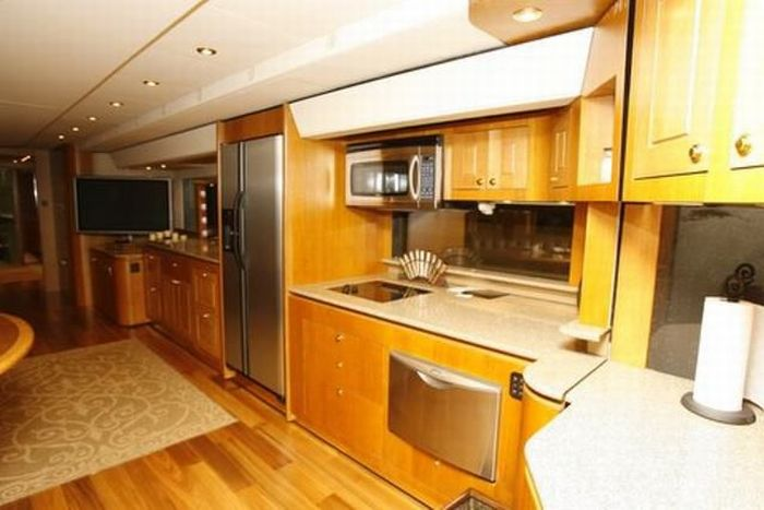 Will Smith's $1.8 Million Trailer (12 pics)