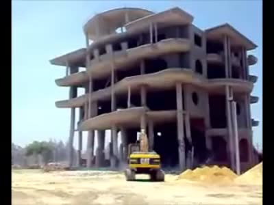 Building Demolition In Egypt Goes Wrong