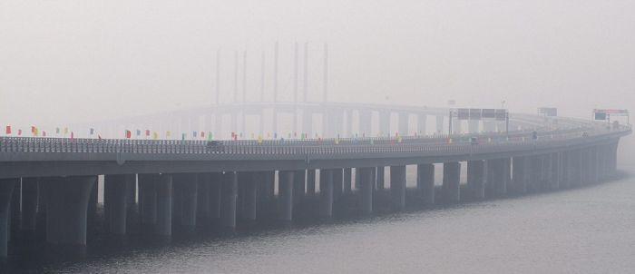 World's Longest Sea Bridge (14 pics + video)