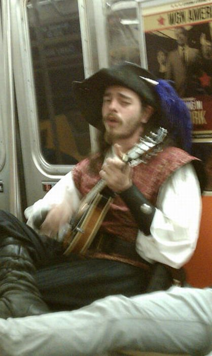 Pictures of Funny People Riding Subway (43 pics)