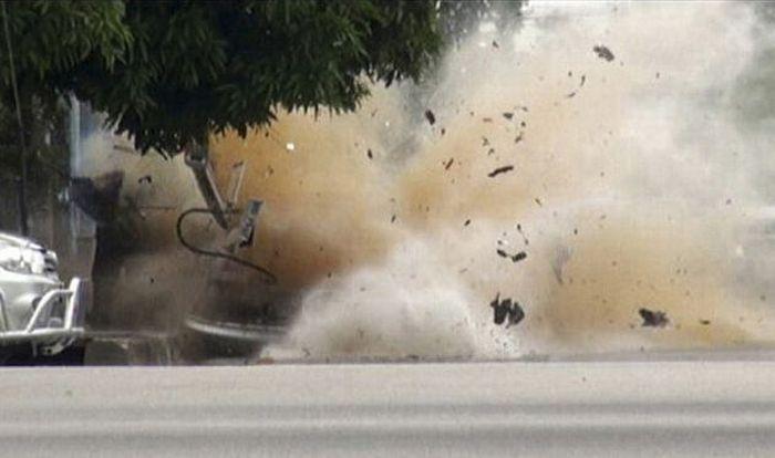 Car Bomb Explosion in Thailand (7 pics)