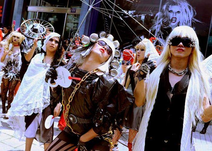Lady Gaga Day in Taiwan (22 pics)