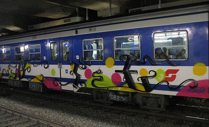 Rad Train Graffiti (15 pics)