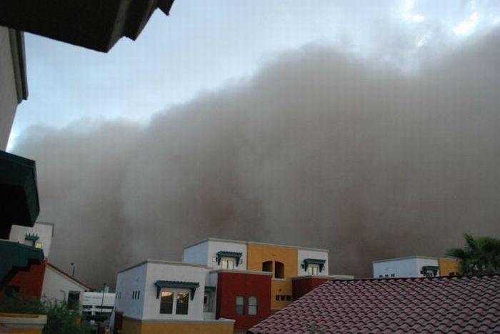 Dust Storm in Phoenix (31 pics + video)