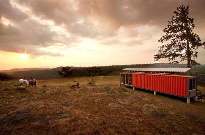 Container House (10 pics)