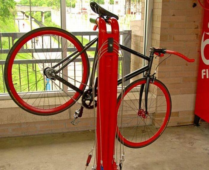 Self-Serve Bike Repair Vending Machine (9 pics)