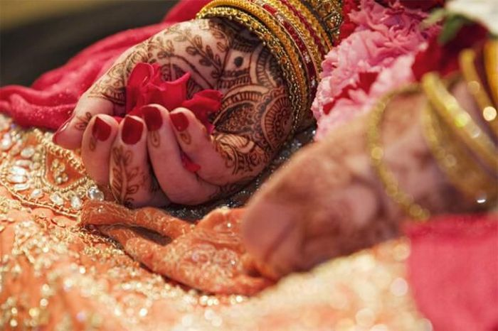 Beautiful Indian Brides (18 pics)