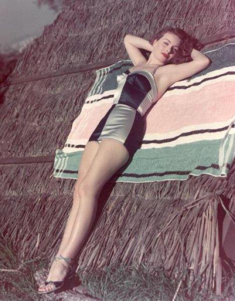 Bikinis From 1940-50's (52 pics)