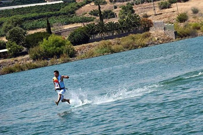 Running on Water (7 pics)