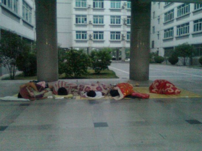 How Chinese Students Cool Down (15 pics)