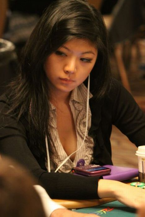 Sexy Poker Girls. Part 2 (35 pics)
