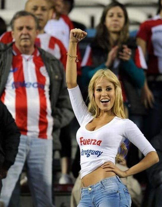 Another Sexy Paraguay Fan (14 pics)