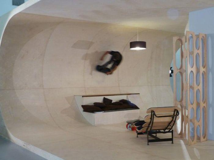 Room for a Skater (7 pics)