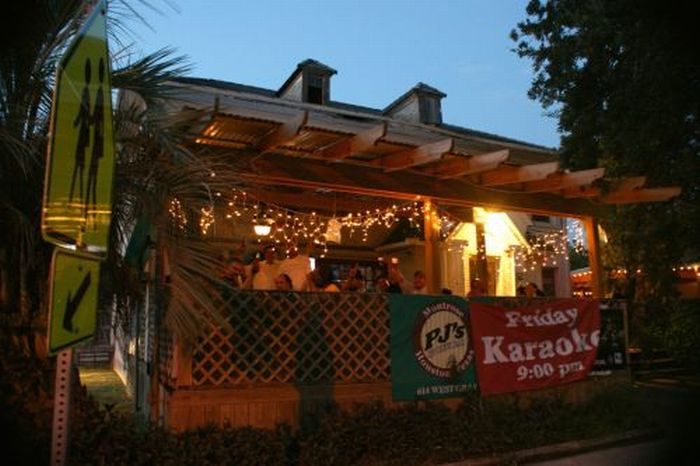 Best Sports Bars in the USA (25 pics)