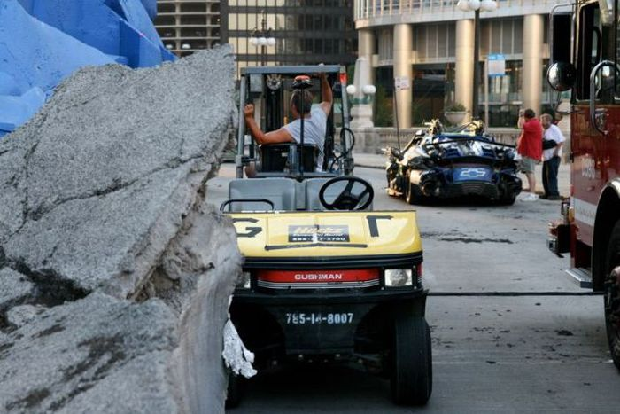 Behind the Scenes: Transformers Movie Set in Chicago (52 pics)