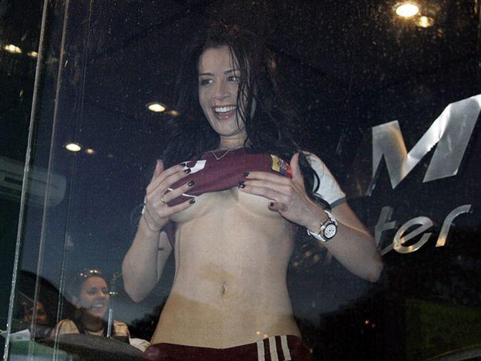 Sexy Soccer Fan Diosa Canales From Venezuela (7 pics)