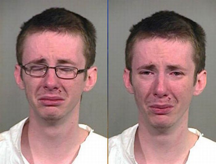 Crying People in Mug Shots (20 pics)