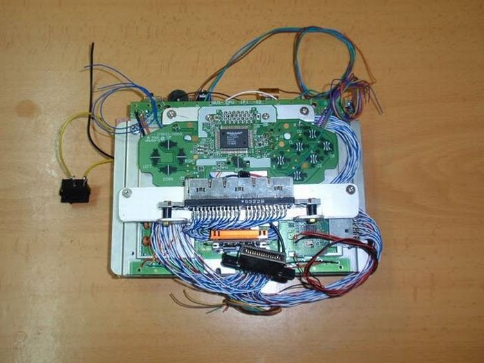 Handheld Console Made Out of an old N64 (75 pics)