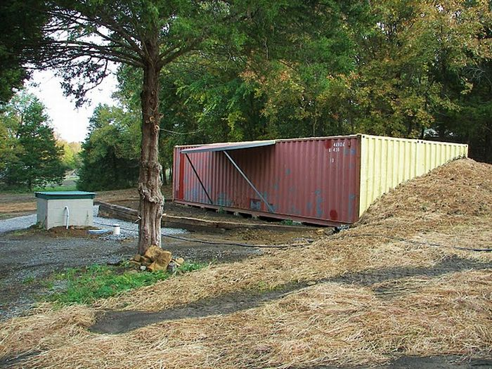 Home Built from Two Shipping Containers (134 pics)