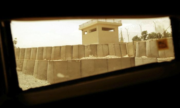 Afghanistan through a Humvee Window (15 pics)