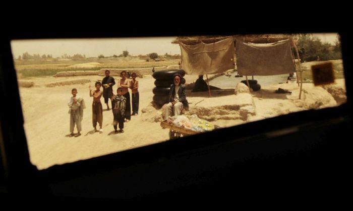 Afghanistan through a Humvee Window (15 pics)