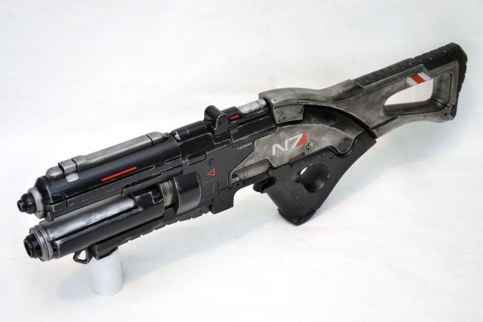 Mass Effect 3 Gun (9 pics)