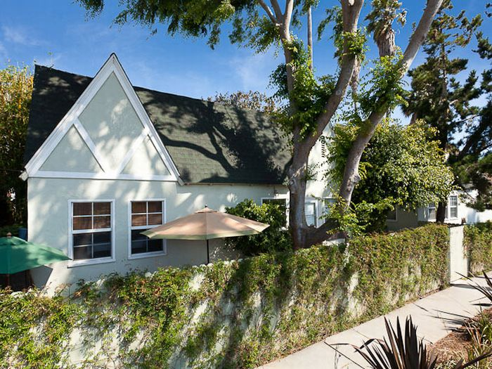 """The Big Lebowski"" Compound is on Sale(6 pics)"