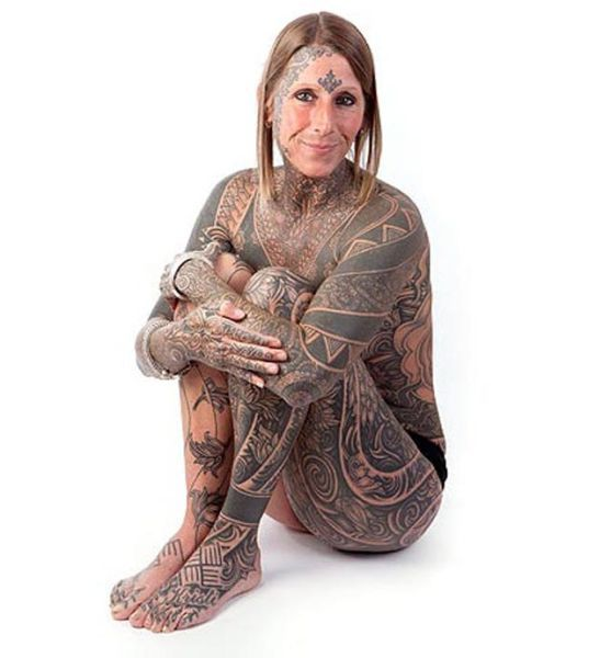 Woman Tattoos Entire Body (7 pics)